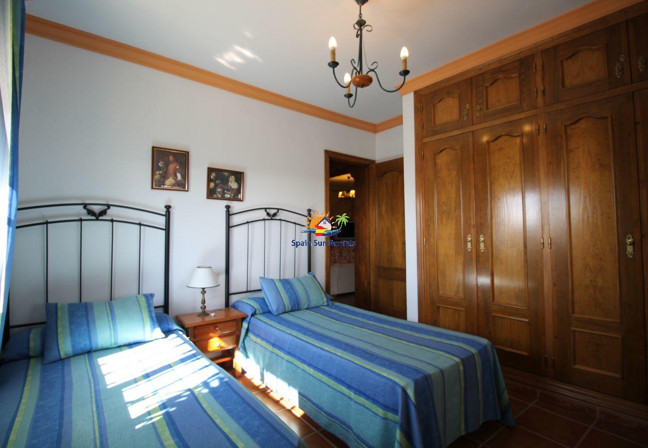 Villa en Nerja - 1073 Villa Retama (12p)