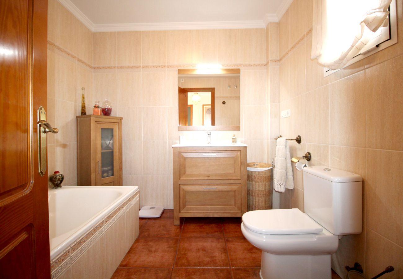 Villa in Nerja - 1072 Villa Palomas