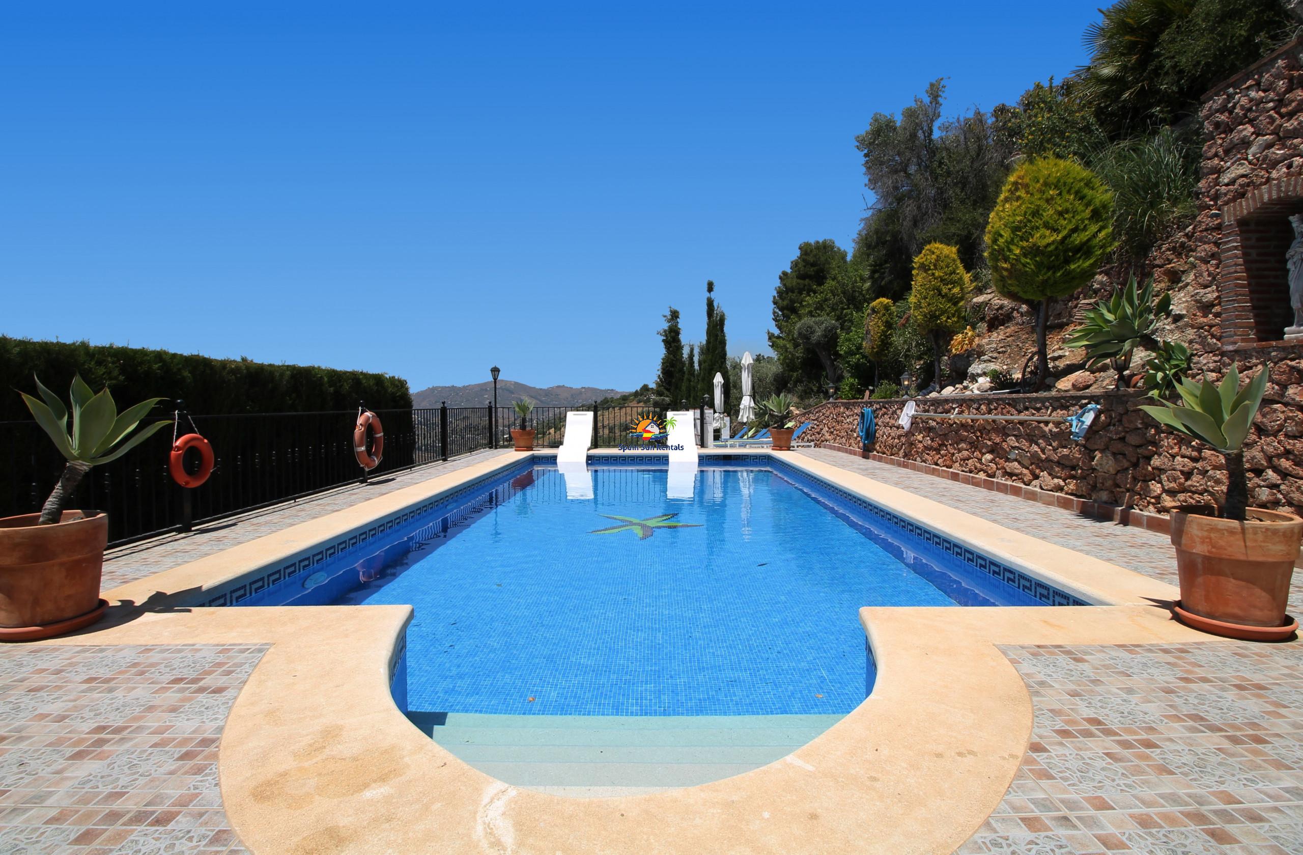 Villa/Dettached house in Frigiliana - 1094 Cortijo el Niño (15p)