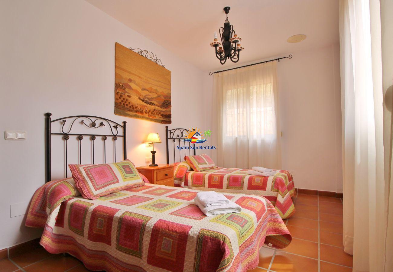 Villa in Nerja - 1053 Villa Seral