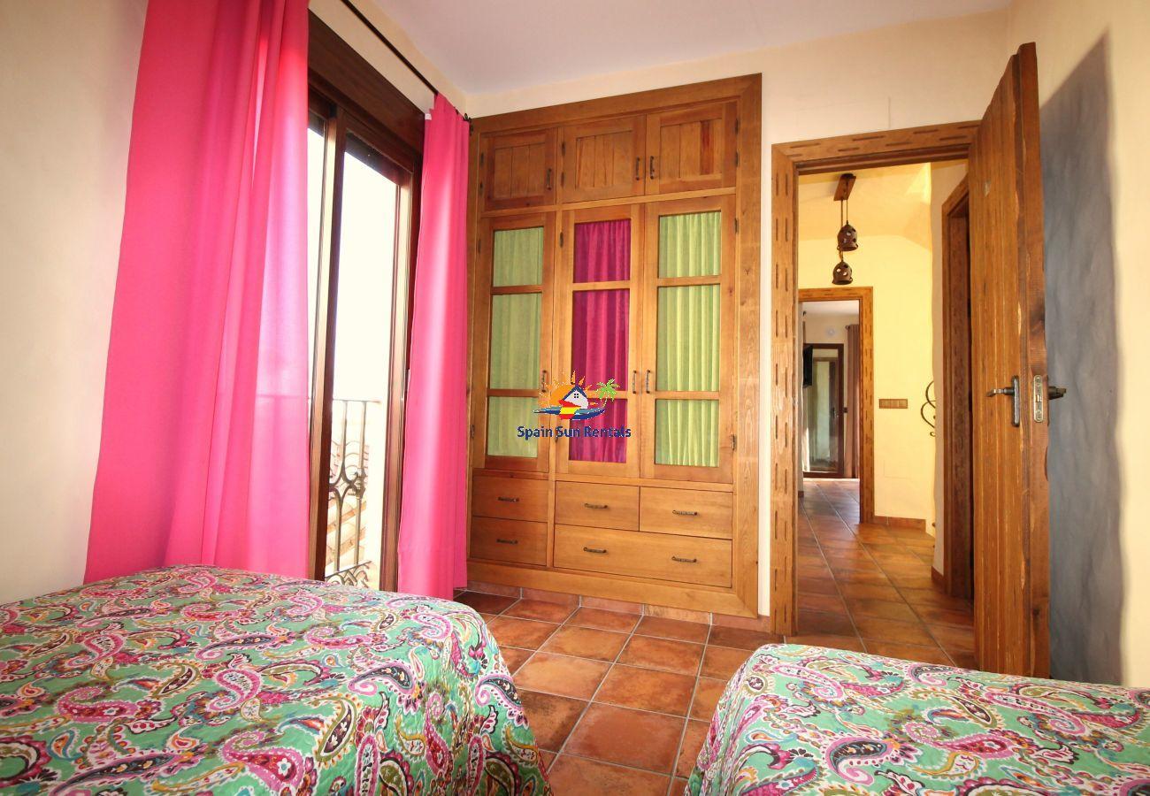 Villa in Nerja - 1033 Villa Laura