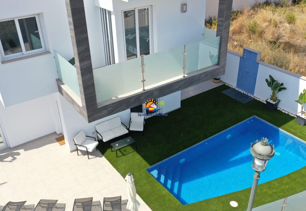 Villa in Nerja - 1062 Villa Picasso