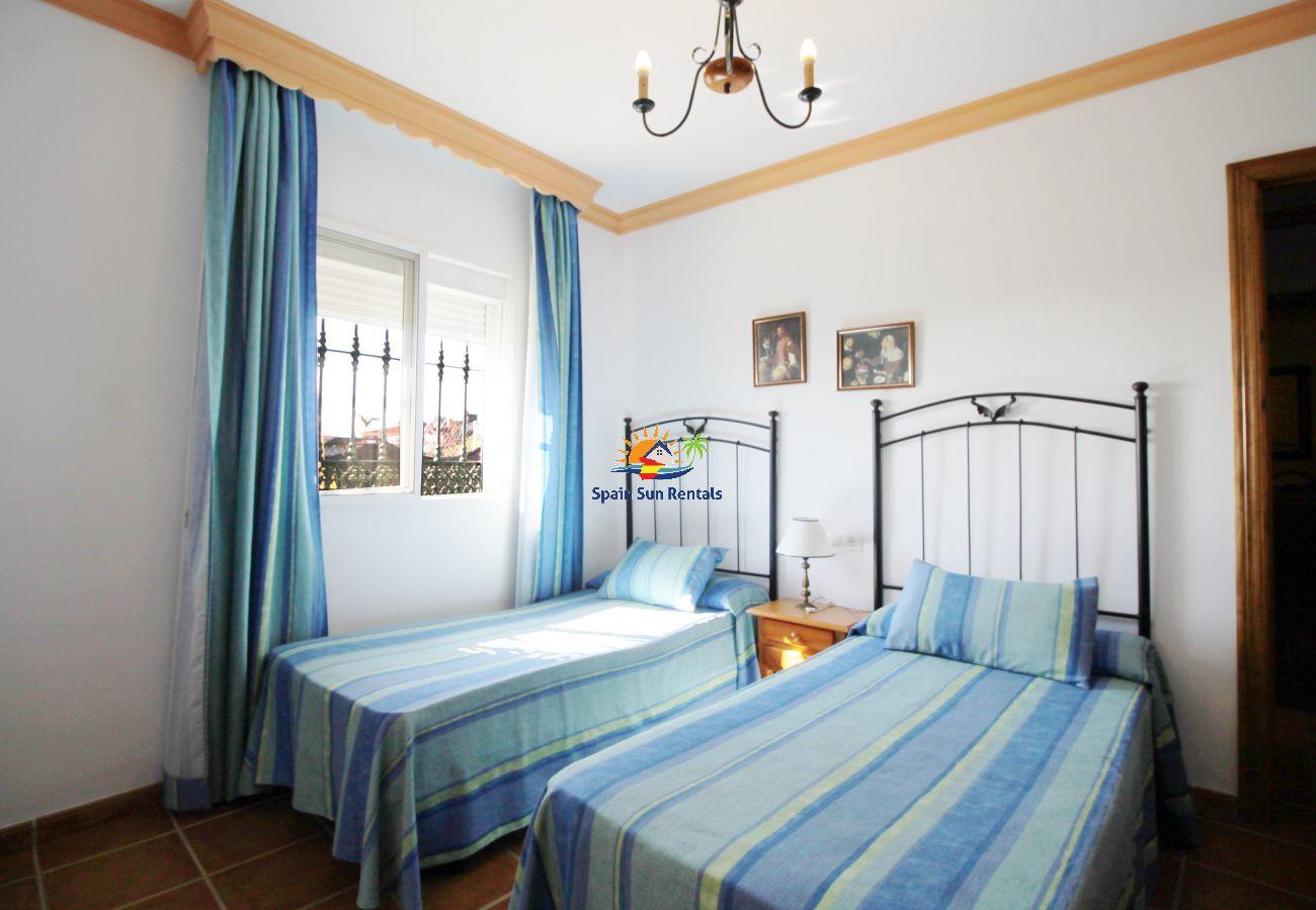 Villa in Nerja - 1073 Villa Retama (6p)
