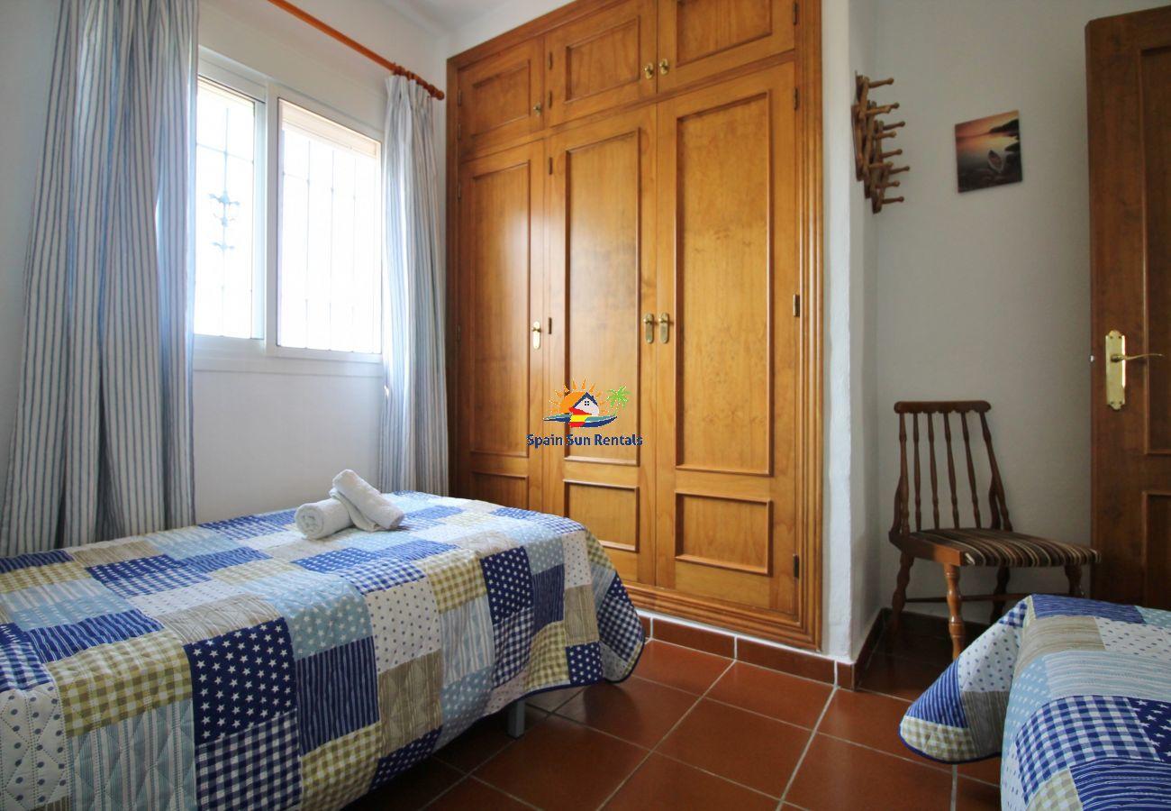 Villa in Nerja - 1003 Villa Cornocalejo (Winter)